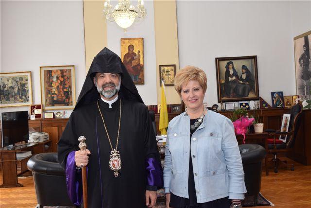 tsarouxa armenios